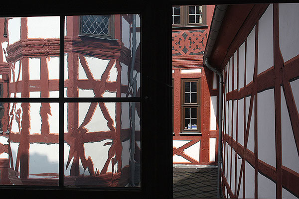 Blick aus dem Fenster / Bad Camberg - © Helga Jaramillo Arenas - Fotografie und Poesie / Juli 2010
