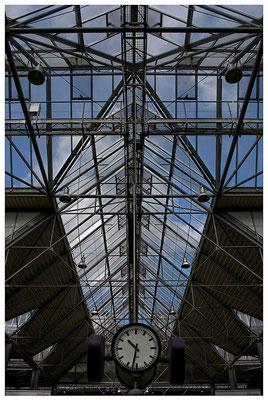 Zeitansage- © Helga Jaramillo Arenas - Fotografie und Poesie / November 2011