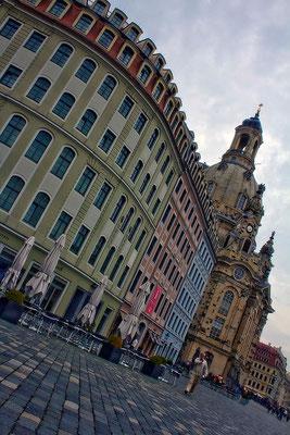 An der Kirche (2) / Dresden - © Helga Jaramillo Arenas - Fotografie und Poesie / Oktober 2014