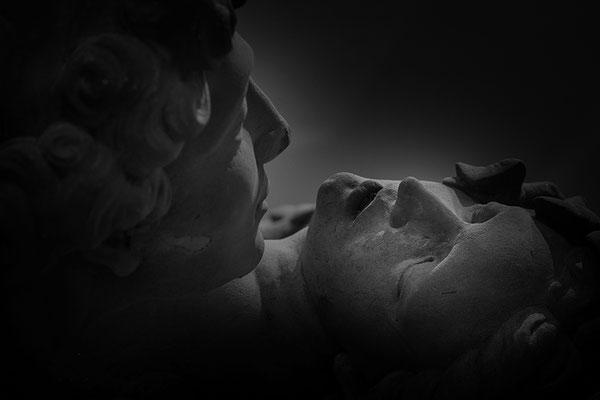 Der endlose Schmerz - © Helga Jaramillo Arenas - Fotografie und Poesie / November 2016