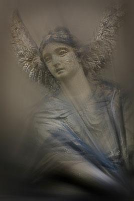 Hat sich im Leid verloren - © Helga Jaramillo Arenas - Fotografie und Poesie  / Juni 2015