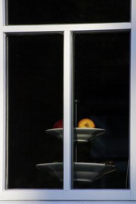 Der Apfel - © Helga Jaramillo Arenas - Fotografie und Poesie / August 2018