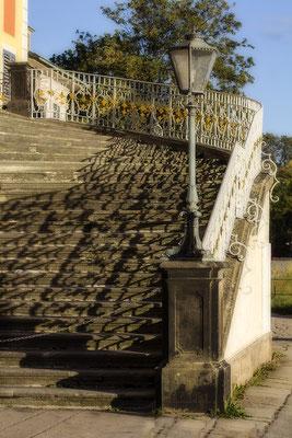 Faszinierende Schatten -  Schloß Pillnitz / Dresden - © Helga Jaramillo Arenas - Fotografie und Poesie / Februar 2021