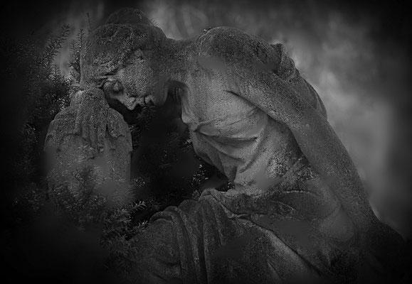 In traurigen Träumen - © Helga Jaramillo Arenas - Fotografie und Poesie / November 2011