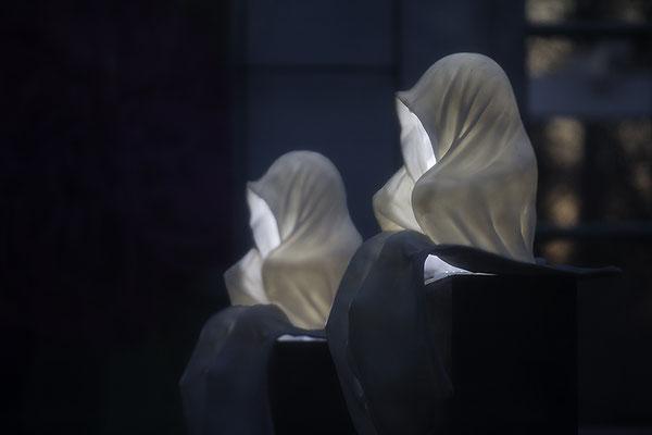 Die im Deunkeln sieht man nicht - © Helga Jaramillo Arenas - Fotografie und Poesie / Mai 2018