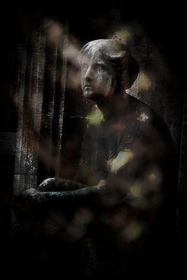 Ausgeliefert - © Helga Jaramillo Arenas - Fotografie und Poesie / September 2015