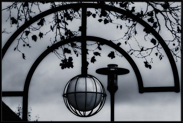 Zwei Lampen - © Helga Jaramillo Arenas - Fotografie und Poesie / Dezember 2017