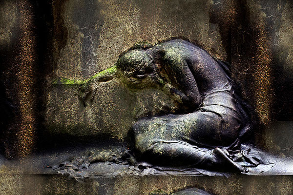 Versteinert im Tränenmeer - © Helga Jaramillo Arenas - Fotografie und Poesie  / November 2014