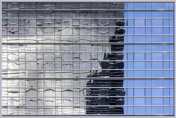 Verschmelzen im Spiegelbild - © Helga Jaramillo Arenas - Fotografie und Poesie / August 2017