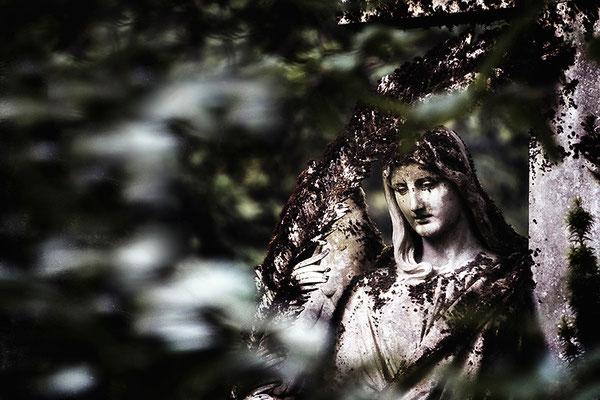 In der Flut der stetigen Gedanken - © Helga Jaramillo Arenas - Fotografie und Poesie  / August 2015
