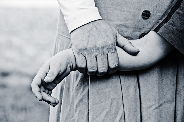Die Sprache der Hände (4) - © Helga Jaramillo Arenas - Fotografie und Poesie / August 2013