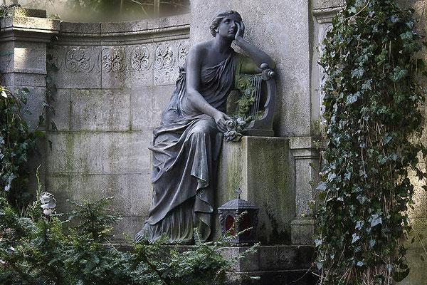 Die Lautenspielerin (2) - © Helga Jaramillo Arenas - Fotografie und Poesie / Mai 2012