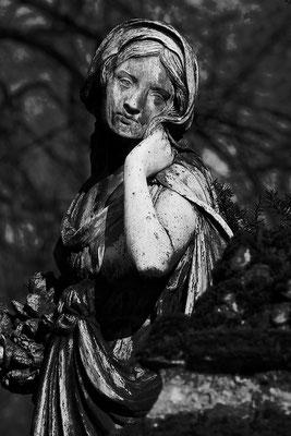 Verloren in den Gefühlen der Ohnmacht - © Helga Jaramillo Arenas - Fotografie und Poesie  / Juli 2015