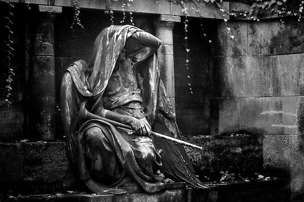 Im Verborgenen - © Helga Jaramillo Arenas - Fotografie und Poesie / September 2015