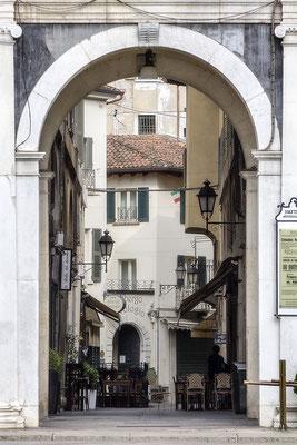 Gastlichkeit / Brescia - Italien - © Helga Jaramillo Arenas - Fotografie und Poesie / Mai 2018