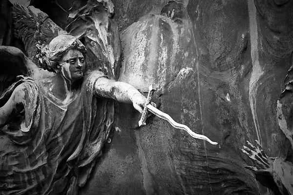 Kampfeslust in himmlischen Sphären (3) - © Helga Jaramillo Arenas - Fotografie und Poesie / September 2013