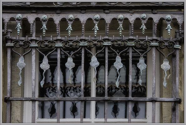Schöne Fenster - © Helga Jaramillo Arenas - Fotografie und Poesie / Januar 2019
