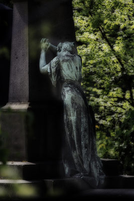Gänzlich verlassen - © Helga Jaramillo Arenas - Fotografie und Poesie / Juli 2017