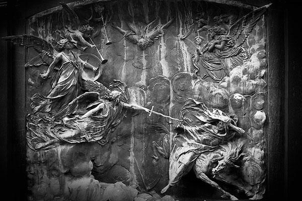 Kampfeslust in himmlischen Sphären (14) - © Helga Jaramillo Arenas - Fotografie und Poesie / September 2013