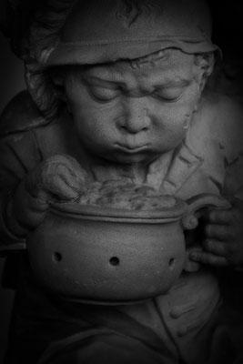 Sucht Wärme, wo sie nicht zu finden ist - © Helga Jaramillo Arenas - Fotografie und Poesie / Mai 2015