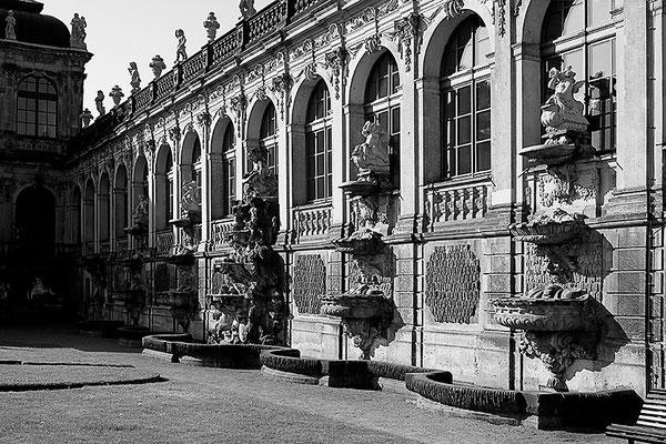 Meisterliche Baukunst (1) / Dresden - © Helga Jaramillo Arenas - Fotografie und Poesie / Mai 2011