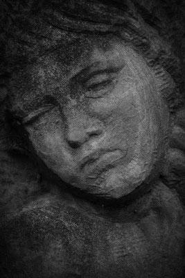 Im Leid gefangen - © Helga Jaramillo Arenas - Fotografie und Poesie / Januar 2017