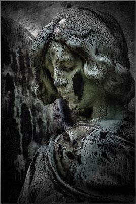 Aus den Schatten treten - © Helga Jaramillo Arenas - Fotografie und Poesie / September 2016