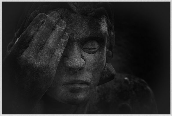 In Ohnmacht - © Helga Jaramillo Arenas - Fotografie und Poesie / Januar 2017