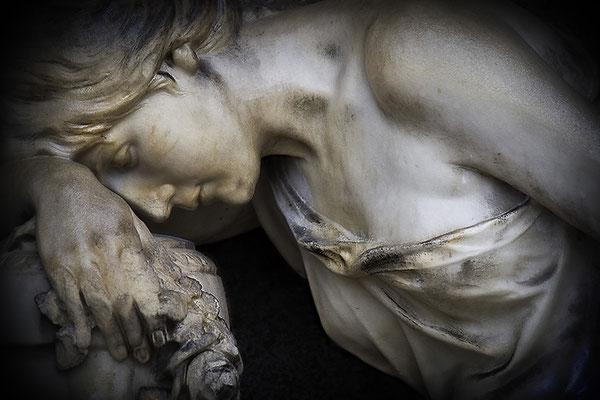 Verloren im Schmerz (1) - © Helga Jaramillo Arenas - Fotografie und Poesie / April 2012