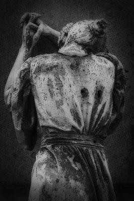 Vererbte Narben - © Helga Jaramillo Arenas - Fotografie und Poesie / September 2017