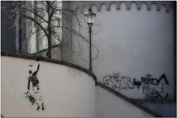 Wie fühlt es sich an, ein Lebenskünstler zu sein / Augsburg - © Helga Jaramillo Arenas - Fotografie und Poesie / April 2020