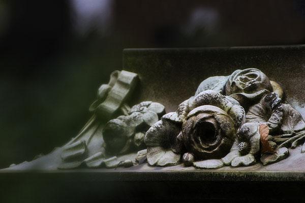 Traurige Begleiter aus Stein - © Helga Jaramillo Arenas - Fotografie und Poesie / Januar 2017