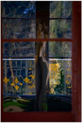 Geheimnis hinter verschlossenen Türen - © Helga Jaramillo Arenas - Fotografie und Poesie / November 2014