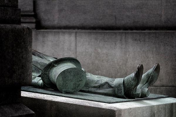 Der tragische Tod des Victor Noir (2) - © Helga Jaramillo Arenas - Fotografie und Poesie / November 2015