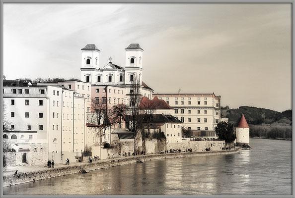 Wetterfühlig (1) / Passau - © Helga Jaramillo Arenas - Fotografie und Poesie / April 2017