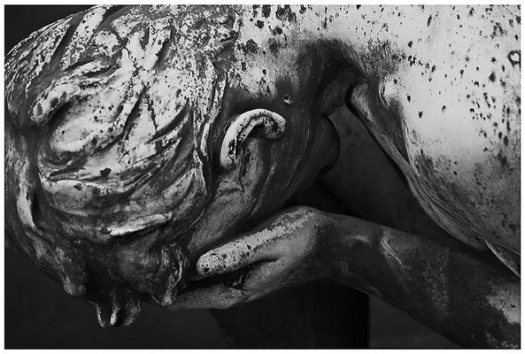 Die Schwere des Loslassens (2) - © Helga Jaramillo Arenas - Fotografie und Poesie / Dezember 2011