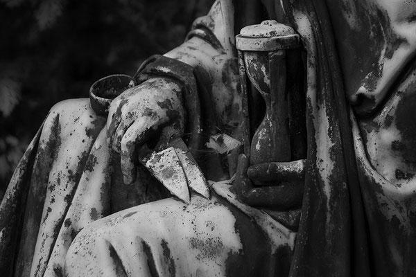 Hüterin der Zeit - © Helga Jaramillo Arenas - Fotografie und Poesie / Dezember 2017