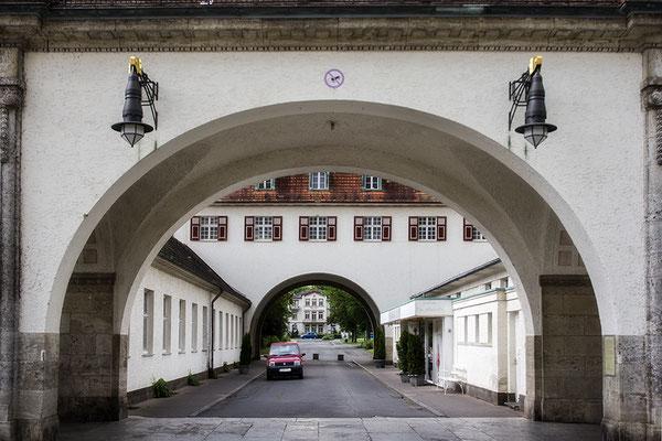 Durchschaut - Bad Neuheim -  © Helga Jaramillo Arenas - Fotografie und Poesie / Juni 2021