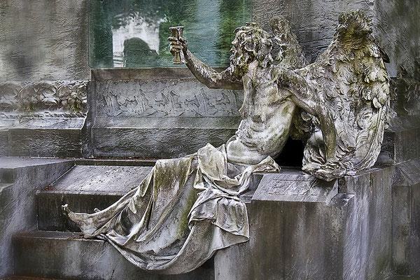Der Tod erhebt sein Stundenglas - © Helga Jaramillo Arenas - Fotografie und Poesie / Mai 2013