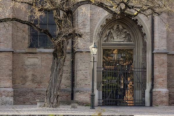 Augsburger Dom - © Helga Jaramillo Arenas - Fotografie und Poesie / April 2020