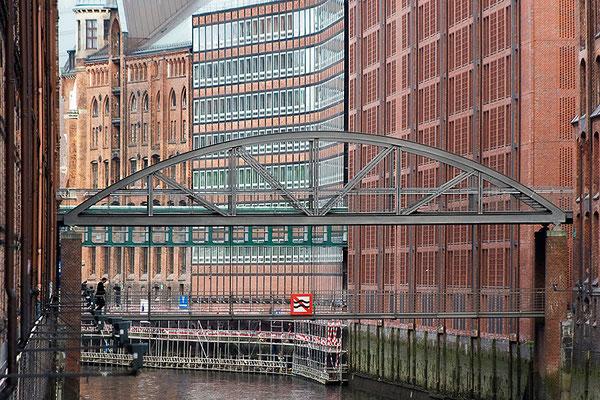 Eile in der Speicherstadt / Hamburg - © Helga Jaramillo Arenas - Fotografie und Poesie / Mai 2012