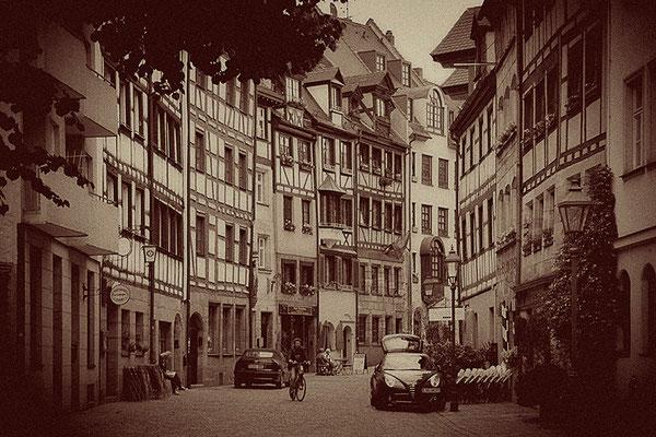 Blick in die Vergangenheit / Nürnberg - © Helga Jaramillo Arenas - Fotografie und Poesie / Juni 2011