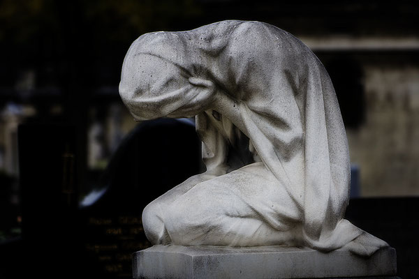 Schmerzvolle Trauer - © Helga Jaramillo Arenas - Fotografie und Poesie / Januar 2017
