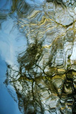 Der Blick II./Wasserspiegelung - © Helga Jaramillo Arenas - Fotografie und Poesie / Mai 2018