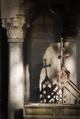 Schatten und Licht (2) - © Helga Jaramillo Arenas - Fotografie und Poesie / Dezember 2015