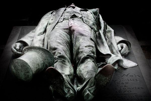 Der tragische Tod des Victor Noir (5) - © Helga Jaramillo Arenas - Fotografie und Poesie / November 2015