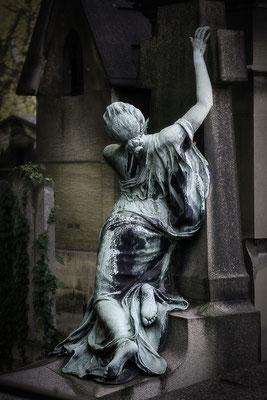 Den Halt verloren - © Helga Jaramillo Arenas - Fotografie und Poesie / Oktober 2016