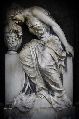 Verloren im Schmerz (2) - © Helga Jaramillo Arenas - Fotografie und Poesie / April 2012