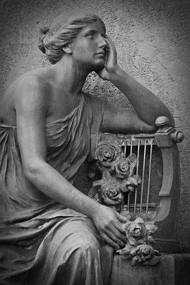 Die Lautenspielerin (1) - © Helga Jaramillo Arenas - Fotografie und Poesie / Mai 2012