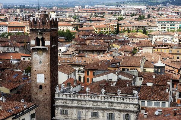 Veronas Dächer - © Helga Jaramillo Arenas - Fotografie und Poesie / Juni 2018